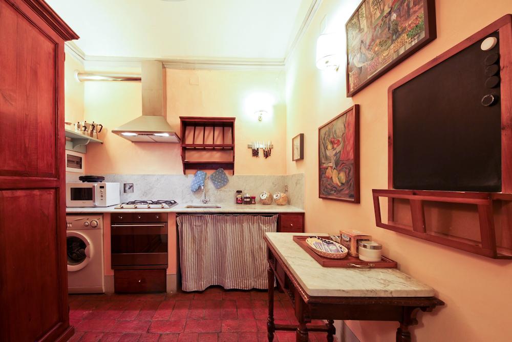 Antiche Dimore Fiorentine via Tornabuoni Kitchen